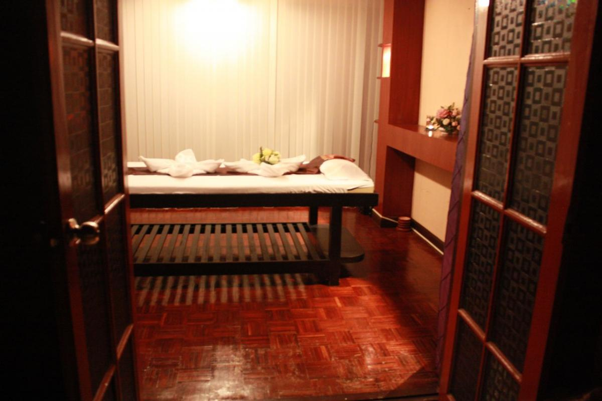Nine Spa Bangkok offers intimate and luscious single person male gay massage rooms
